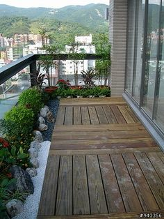20 Amazing Balcony Design Ideas On A Budget When building a balcony or terrace there are a number of structural concerns that must be addressed This is especially true if you intend to use thi Garden Garden apartment Garden ideas Garden small Small Balcony Design, Small Balcony Garden, Small Balcony Decor, Balcony Plants, Outdoor Balcony, Terrace Garden, Small Balconies, Balcony Gardening, Ideas Terraza