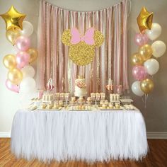 Baby girl birthday party ideas pink and gold high chairs 39 Ideas Birthday Table, Birthday Diy, Birthday Party Decorations, Girl Birthday, Birthday Parties, Cake Birthday, Baby Shower Photo Booth, Baby Shower Photos, Baby Shower Table