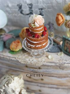 Dollhouse miniature dessert- Fleur cake by CheilysMiniature on Etsy