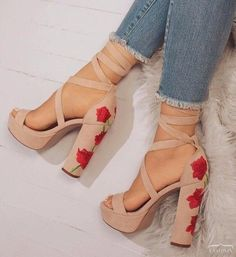 Shoes & boots Pinterest // carriefiter // 90s fashion street wear street style photography style hipster vintage design landscape illustration food diy art lol style lifestyle decor street stylevintage television tech science sports prose portraits poetry