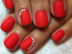 What Christmas manicure to choose for a festive mood - My Nails Stylish Nails, Trendy Nails, Short Red Nails, Short Nail Manicure, Red Nail Art, Pretty Nail Colors, Red Nail Designs, Hot Nails, Nagel Gel