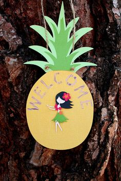 Tiki Luau Hawaiian Party Pineapple Door Sign with Hula Girl; cute make a large one for the entrance or podium Aloha Party, Hawaiian Luau Party, Hawaiian Birthday, Hawaiian Theme, Luau Birthday, Tiki Party, Tropical Party, Hawaian Party, Hawaiian Crafts