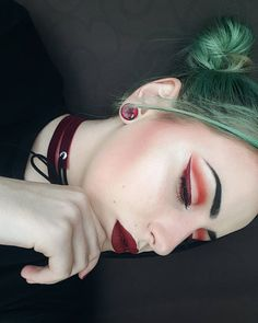 Just admiring 's amazing cut crease! And that liner ? Red Makeup, Fall Makeup, Samara, Cut Crease, Slay Girl, Make Up, Photo And Video, Face, Makeup