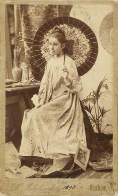 Obrazy malowane smutkiem. Opowieść o Oldze Boznańskiej Olga Boznańska z japońską parasolką, 1839, MNK
