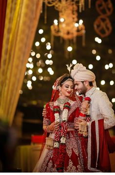 How To Find The Perfect Venue For Your Wedding – Formal Affair Indian Wedding Poses, Indian Wedding Couple Photography, Indian Bride And Groom, Bride Photography, Couple Photography Poses, Couple Portraits, Indian Bridal, Bride Groom, Couple Wedding Dress