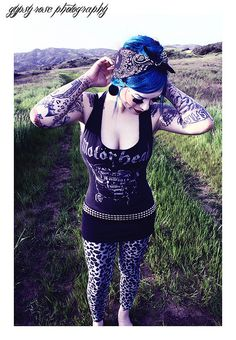 I adore EVERYTHING about this. The hair and bandana, the ink, the legging and the look all together.
