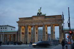 Das Brandenburger Tor am späten Nachmittag.