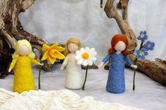 Waldorf inspired needle felted flower-dolls: Mother door MagicWool