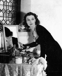 Vivien Leigh : fascinante, divinement belle, comédienne déchirante, destin tragique. Une icône. Inoubliable.