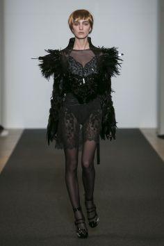 ON-AURA-TOUT-VU-Couture-SS16 -JET-LAG-Paris Look 8 (2)