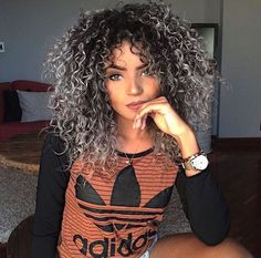 Uploaded by Katyyy. Find images and videos about hair, beauty and curly on We Heart It - the app to get lost in what you love. Dyed Curly Hair, Colored Curly Hair, Curly Hair Tips, Hair Dos, Curly Hair Styles, Natural Hair Styles, Love Hair, Big Hair, Blond Ombre