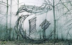 British visual artist and set designer Nicola Yeoman creates temporary installations presenting scrapped commonplace objects in exceptional locations. The precise light design and the composition o… Land Art, Performance Artistique, Art Environnemental, Art Et Nature, Typography Design, Lettering, Foto Art, Environmental Art, Grafik Design