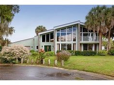 Lakefront home with dock in Kissimmee, Florida - 3 Bedrooms, 2 Full Bathrooms, 2,855 Sq Ft., Price: $459,000, #: S4821781