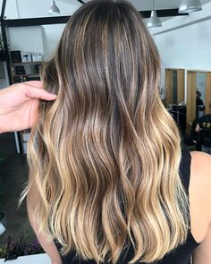 Warm Summer Blonde Created by #Bossman @jaye_edwardsandco using flashlift to highlight and tip out the ends and Of coarse a zone tone. This colour is totally #FutureProof and wont need doing again for 6 months. @_edwardsandco @edwardsandcoeducation #edwardsandco