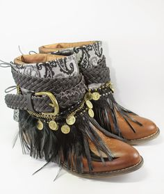 So it's only right that you go thorugh it in STYLE! Hippie Shoes, Boho Shoes, Hippie Boho, Hippy Chic, Boho Chic, Botas Boho, Festival Boots, Fashion Boots, Boho Fashion