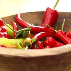 chili til tacoen :) Tex Mex, Caprese Salad, Salsa, Dinners, Tacos, Stuffed Peppers, Vegetables, Food, Dinner Parties
