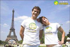 Cours de capoeira en plaine air : http://www.capoeira-paris.net/spectacles-capoeira-paris-danseurs-bresiliens.html