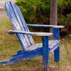 Got em all sittin right there in that old blue chair...