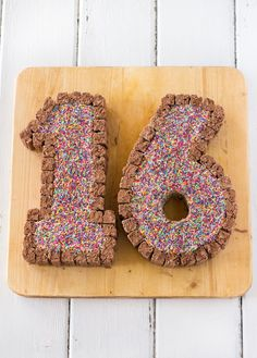 Sweet 16 Cake - raspberri cupcakes