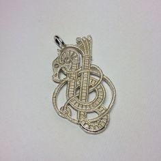 Vikings Celtic amulet sterling silver medal di SimValArt su Etsy https://www.etsy.com/it/listing/505684853/vikings-celtic-amulet-sterling-silver
