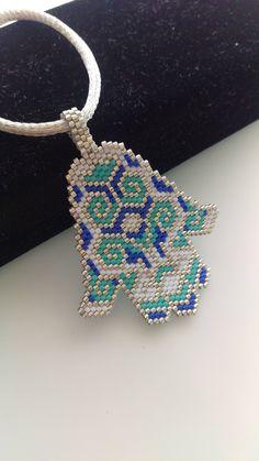 New Women jewelry Diy Jewelry, Handmade Jewelry, Jewelry Making, Beaded Jewelry Patterns, Beading Patterns, Beaded Earrings, Crochet Earrings, Beaded Spiders, Hamsa Necklace