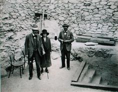harry carter king tut | Harry Burton - Lord Carnarvon''s first visit to the Valley of the King ...
