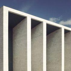 Lines, la géométrie architecturale par Sebastian Weiss