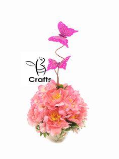 324cb3bb1 Centro de mesa para Presentacion de 3 Años flores artificiales con  mariposas en rosa   Centerpiece for 3 Year Presentation artificial flowers  with ...