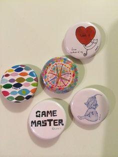 缶バッヂ 3個セット 組み合わせ自由1)Love U from bottom of my ♡ 2)GAME MASTER 3)うちゅうのあみめ 4)KIRA ...|ハンドメイド、手作り、手仕事品の通販・販売・購入ならCreema。