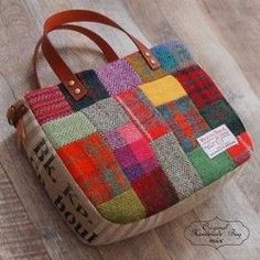 Harris Tweed Patchwork × Red Check There was winter .Harris Tweed Patchwork × Warm Tattoo Bag with Red Checked Pattern Leather Bohemian Linen:Love the design, ditch the charm To make with all my hoarded wool scarves. Patchwork Bags, Quilted Bag, Patchwork Ideas, My Bags, Purses And Bags, Bag Quilt, Harris Tweed, Craft Bags, Handmade Bags