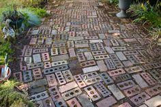 gorgeous, but perhaps a tripping hazard? Stone Walkways, Driveways, Amazing Gardens, Beautiful Gardens, Backyard Ideas, Garden Ideas, Paver Path, Garden Floor, Garden Junk