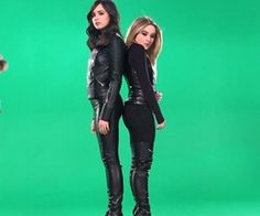 Sofia Carson and Sabrina Carpenter Sabrina Carpenter Movies, Disney Channel, Descendants, Sophia Carson, Adventures In Babysitting, Leder Outfits, Girl Meets World, Disney Stars, Dove Cameron