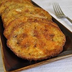 Baked Eggplant Baked Eggplant with Eggplant Large Egg Seasoned Breadcrumbs Olive Oil Garlic Salt. Source by abeachgirl Vegetable Recipes, Vegetarian Recipes, Cooking Recipes, Healthy Recipes, Sushi Recipes, Great Recipes, Favorite Recipes, Easy Recipes, Vegetable Dishes