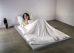 sculture iperrealiste giganti di ron mueck