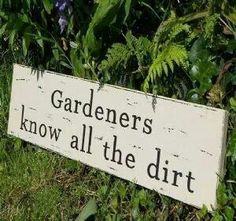 42 ideas for garden quotes signs porches - Modern Love Garden, Garden Club, Dream Garden, Glass Garden, Garden Cottage, Summer Garden, Garden Crafts, Garden Projects, Sign Quotes