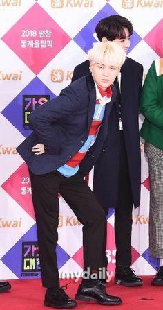 BTS üyesi Min Yoongi'nin fotoğrafları burada! -Fotoğraflar google'da… #hayrankurgu # Hayran Kurgu # amreading # books # wattpad
