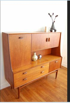 Mid-century furniture: Let's fall in love with the most amazing mid-century modern credenzas. With a mid-century design, this credenza will elevate your mid-century modern interior Mcm Furniture, Danish Furniture, Vintage Furniture, Furniture Design, Business Furniture, Furniture Movers, Wooden Furniture, Furniture Makeover, Furniture Ideas