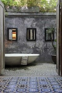 can you say outdoor tub with living ceiling......WOW!