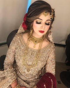 A-Line Wedding Dresses Collections Overview 36 Gorgeou… Latest Bridal Dresses, Bridal Mehndi Dresses, Bridal Dress Design, Wedding Dresses For Girls, Bridal Outfits, Asian Wedding Dress Pakistani, Pakistani Bridal Makeup, Best Bridal Makeup, Bridal Makeup Looks