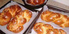 Εξαιρετικά τσουρέκια, καλοψημένα γεμάτα αρώματα και λίγα υλικά - Χρυσές Συνταγές Greek Pastries, Bread Cake, Greek Recipes, Easter Recipes, Pretzel Bites, French Toast, Cooking Recipes, Sweets, Baking