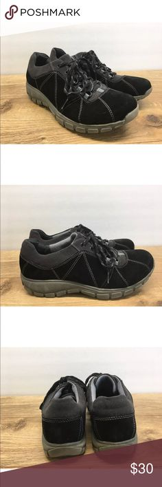 Clarks Suede Comfort Athletic Shoes Size 9.5M -F3 Womens Clarks Black Leather/Suede Lace Up Oxford Comfort Shoes Size 9.5M in good condition. These shoes do show signs of wear but still have a ton of life left in them.   Please see photos for color, style and condition. Clarks Shoes Athletic Shoes #athleticshoesstyle