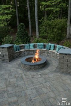 Fire Pit Seating, Fire Pit Area, Backyard Seating, Backyard Patio Designs, Fire Pit Backyard, Fire Pits, Diy Patio, Fire Pit Landscaping, Landscaping Design