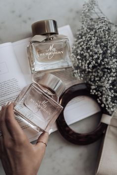 Mother's Day with Burberry - Flaunt and Center - my lovely pins - perfume Perfume Scents, Perfume Bottles, Diy Fragrance, Parfum Victoria's Secret, Perfume Display, Francis Kurkdjian, Victoria Secret Perfume, Best Fragrances, Clothing Alterations