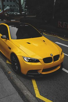 I love the color of this car!