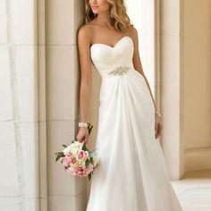 Kleid erhältlich unter  www.weddibox.eu