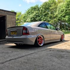 24 days until pvs. #Vauxhall #astra #mk4 #coupe #bertone #pvs #unit18 #carrerabodyworks #opel_opc #opel #static #stance #fitment #bbs #Y4TUP #lexmaul #slammed