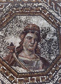 Publicamos la interesante villa romana de Bruñel en la localidad de Quesada, Jaén.