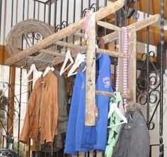 Eine alte Leiter als Garderobe Mehr