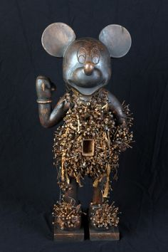 """Vik Muniz """"Relicario""""- THIS LOOKS LIKE MY MICKY MOUSE FROM DESIGN2"""