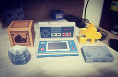 On instagram by lpmartos #gameandwatch #microhobbit (o) http://ift.tt/1SjVo3h papercraft <3 Dessa vez estrelando... Playstation Nintendo Zelda Donkey Kong e Banjo-Kazooie! #papercraft #nintendo #nes  #playstation #donkeykong #rambi #zelda #gossipstone #banjokazooie #jiggy #videogame #games